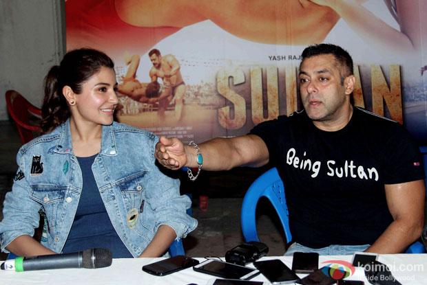 Anushka Sharma, Salman Khan at press meet of Sultan's Success