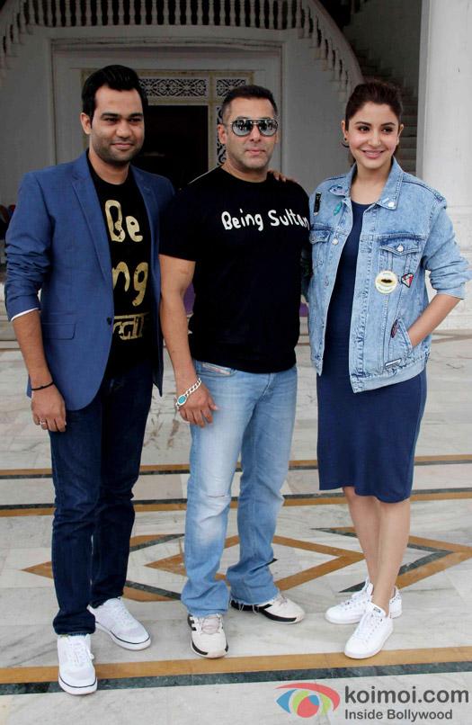 Ali Abbas Zafar, Salman Khan and Anushka Sharma at press meet of Sultan's Success