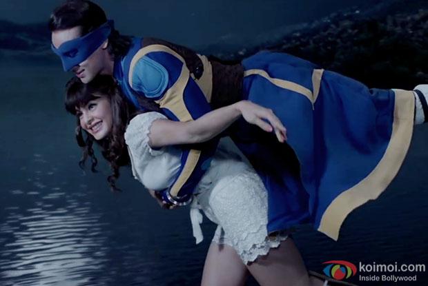 Tiger Shroff and Jacqueline Fernandez in a Toota Jo Kabhi Tara song still from A Flying Jatt