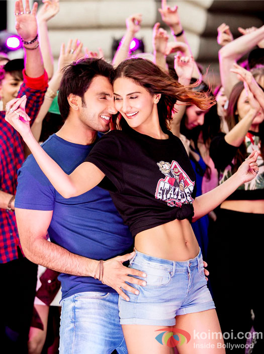 Befikre Still : Ranveer Singh and Vaani Kapoor are in dancing mood and not kissing