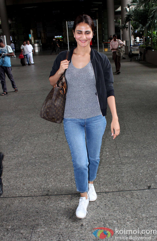 Vaani Kapoor Spotted At Airport