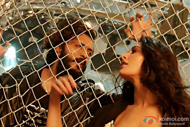 Enjoy Banjo Party Song | Ft. Riteish Deshmukh, Nargis Fakhri