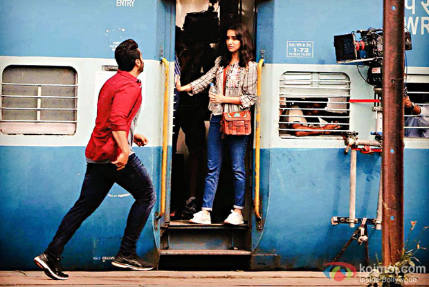Half Girlfriend New Still | Arjun Kapoor And Shraddha Kapoor Recreate DDLJ Moment