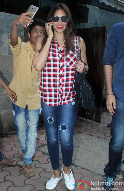 Bipasha Basu spotted in bandra