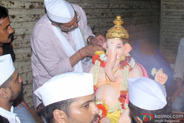 Nana Patekar During the Ganpati Visarjan