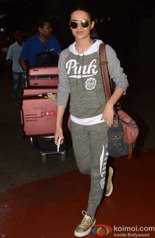 Surveen Chawla spotted at Airport
