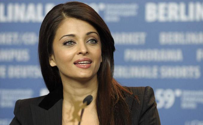 No skin show or liplocks in 'Ae Dil...': Aishwarya