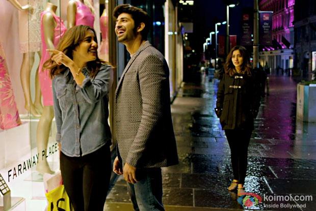 Neha Sharma and Aashim Gulati in a Tum Bin 2 title song still from Tum Bin 2