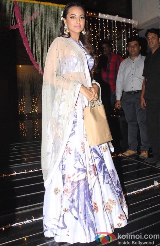 Sonakshi Sinha during Aamir Khan's Diwali celebration