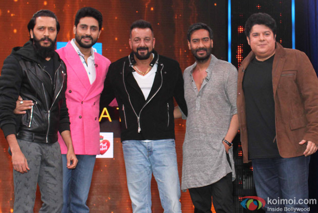 Riteish Deshmukh, Abhishek Bachchan, Ajay Devgan, Sajid Khan and Sanjay Dutt on the sets of Yaaron Ki Baraat