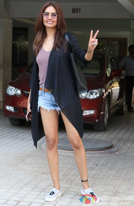 Esha Gupta spotted at Milan Lutharia house