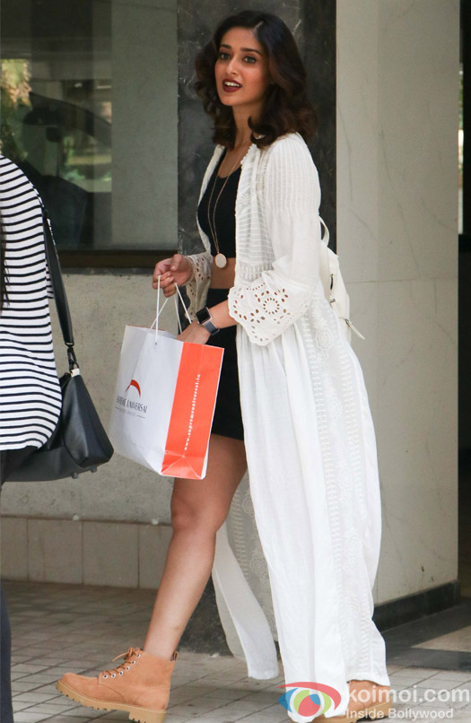 Ileana D'cruz spotted at Milan Lutharia house