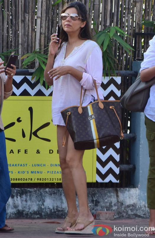 Gauri Khan in Alibaug during SRK's birthday bash