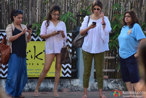 Zoya Akhtar, Gauri Khan and Shweta Bachchan in Alibaug during SRK's birthday bash