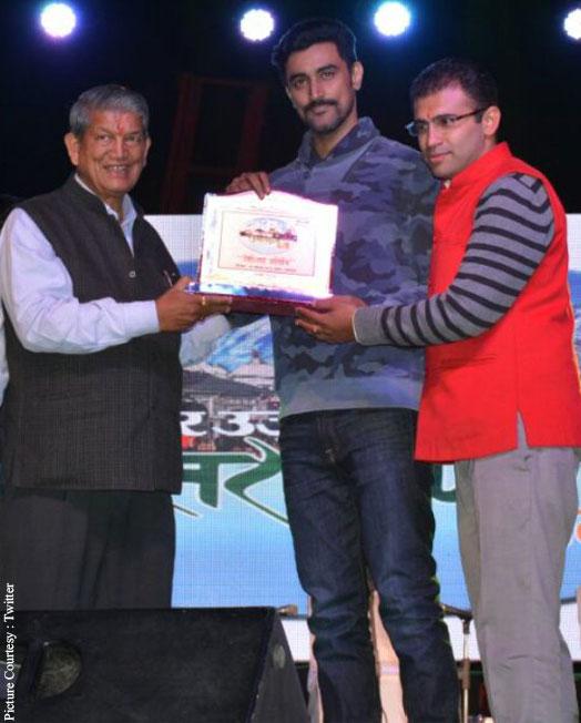 Kunal Kapoor felicitated by Uttarakhand CM