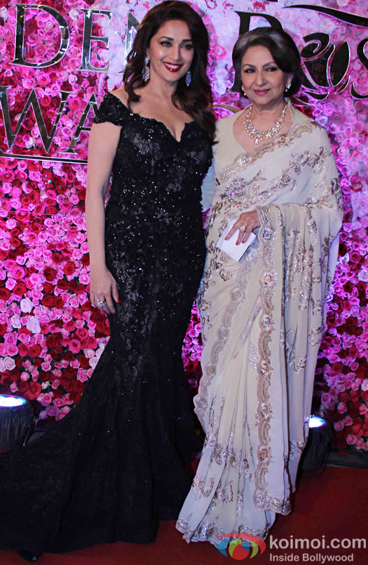 Madhuri Dixit and Sharmila Tagore during the Lux Golden Rose Awards 2016