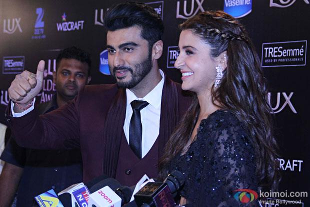 Arjun Kapoor and Anushka Sharma during the Lux Golden Rose Awards 2016
