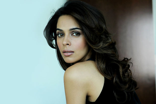 Mallika Sherawat 'attacked with tear gas and beaten' in Paris
