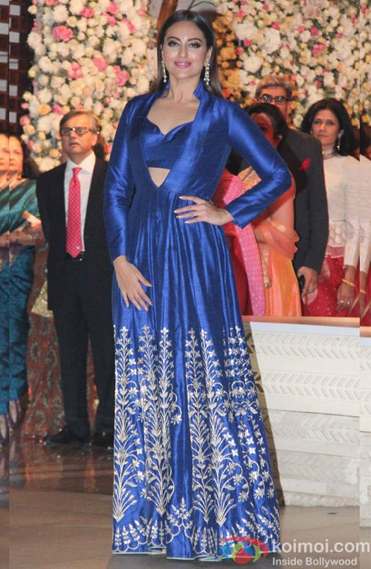 Sonakshi Sinha at Mukesh and Nita Ambani's niece Isheta's Pre wedding Party