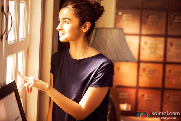 Not trying to look like a versatile actor, says Alia Bhatt