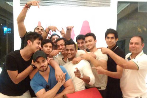 Salman Khan Enjoys Diwali Celebrations With Family In Goa