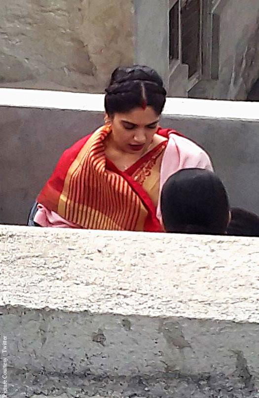 Pictures: Bhumi Pednekar Shoot For Toilet Ek Prem Katha In Mathura