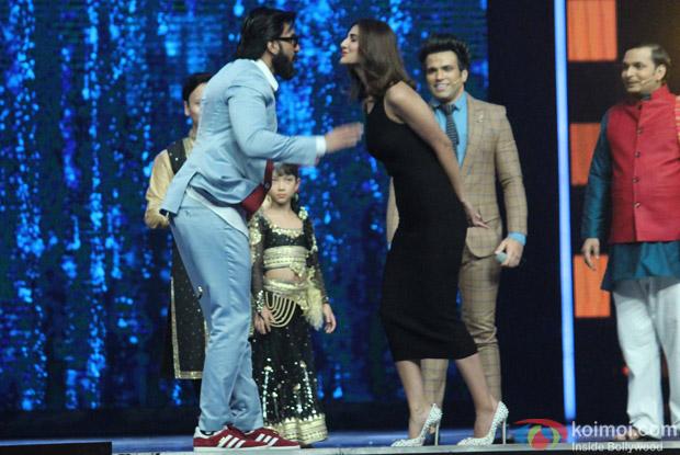 Ranveer Singh and Vaani Kapoor during the Promotion of film Befikre on the sets of Super Dancer