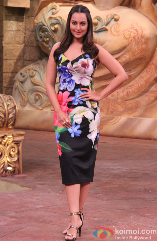 Sonakshi Sinha during the promotion of film Force 2 on the sets of Comedy Nights Bachao