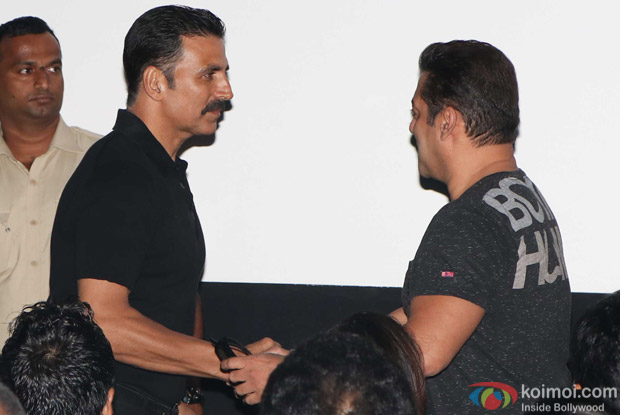 Salman Khan and Akshay Kumar during the first look launch of film 2.0