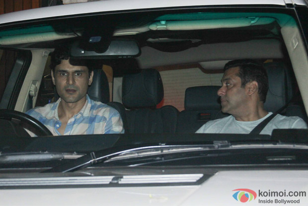 Salman khan spotted at chunky panday's house