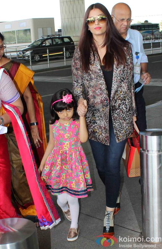 Aishwarya Rai Bachchan and Aaradhya Bachchan spotted at Airport