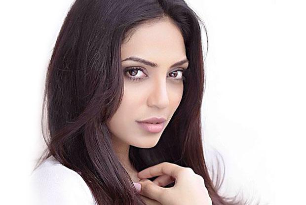 Sobhita Dhulipala to make Telugu debut with 'Goodachari'