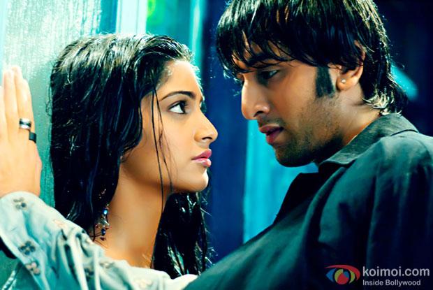 Sonam Kapoor Will Play Ranbir's Romantic Interest In Dutt Biopic!