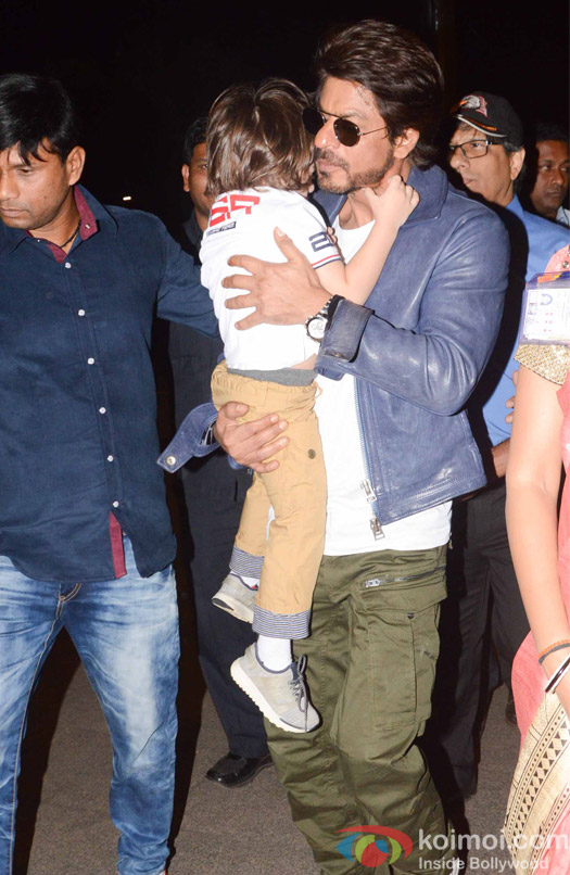 Shah Rukh Khan along with son Abram spotted at airport