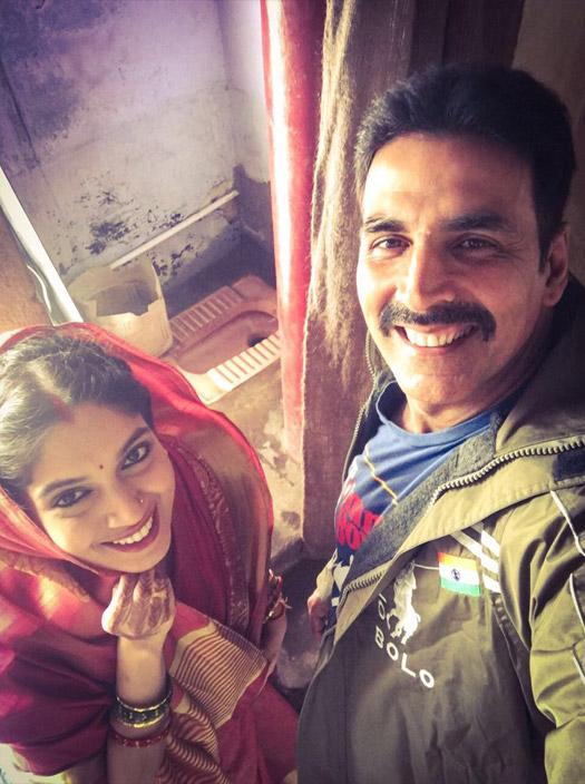 Bhumi Pednekar and Akshay Kumar in stil from movie Toilet Ek Premkatha