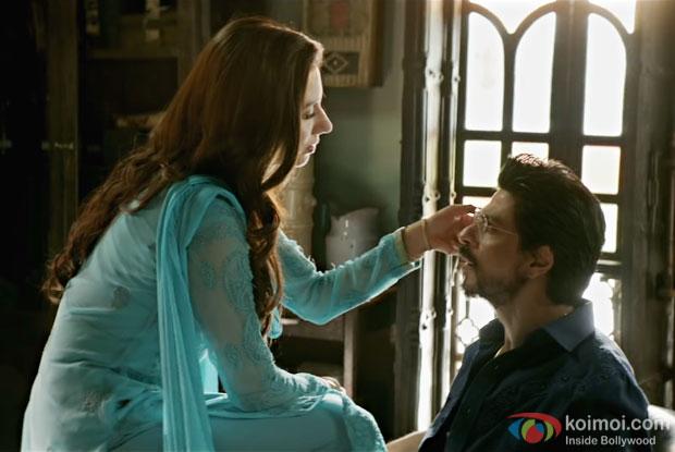 Mahira Khan and Shah Rukh Khan in a still from Raees