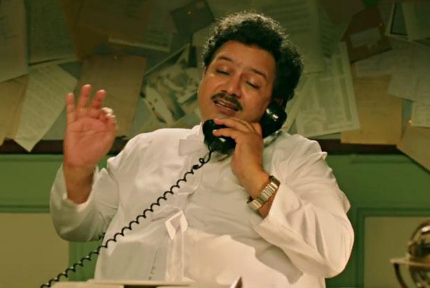 Kumud Mishra as Eraj Billimoria the Press Editor – Rustom