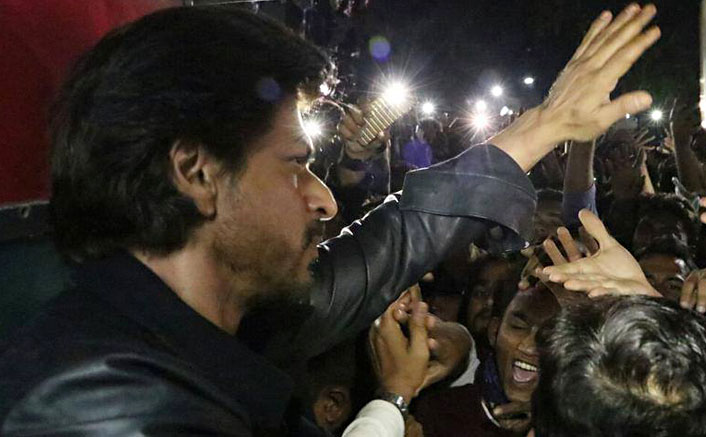 Man dies trying to catch a glimpse of SRK in Vadodara