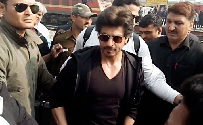 SRK reaches Delhi by train, calls fan's death 'unfortunate'
