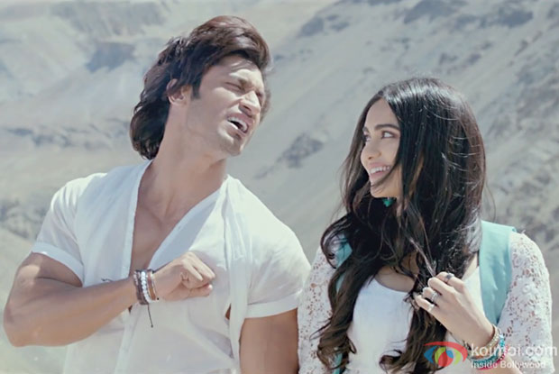 Enjoy Tere Dil Mein Song From Commando 2 | Ft  Vidyut Jamwal