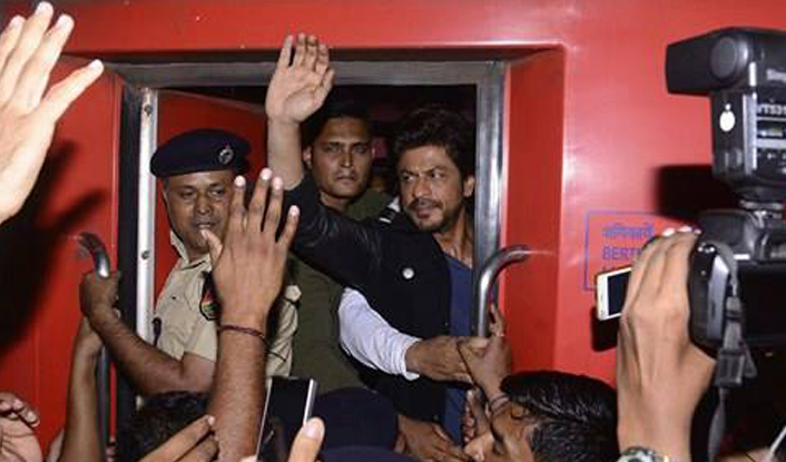 Shah Rukh Khan booked for rioting, damaging property during Raees promotion