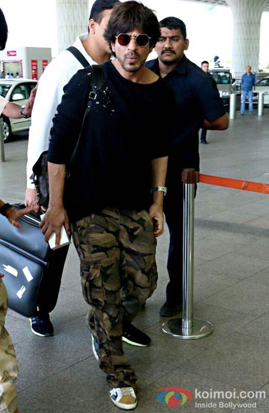Shah Rukh Khan Spotted At Airport