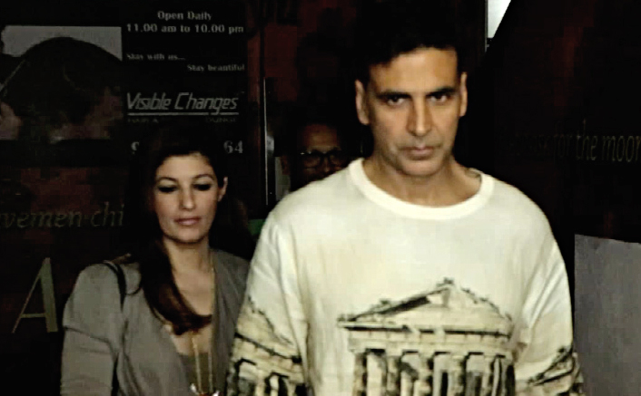 Akshay Kumar Watched Commando 2 Movie With Family At PVR