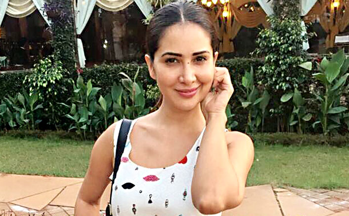 Kim Sharma back in Mumbai post separation from husband?