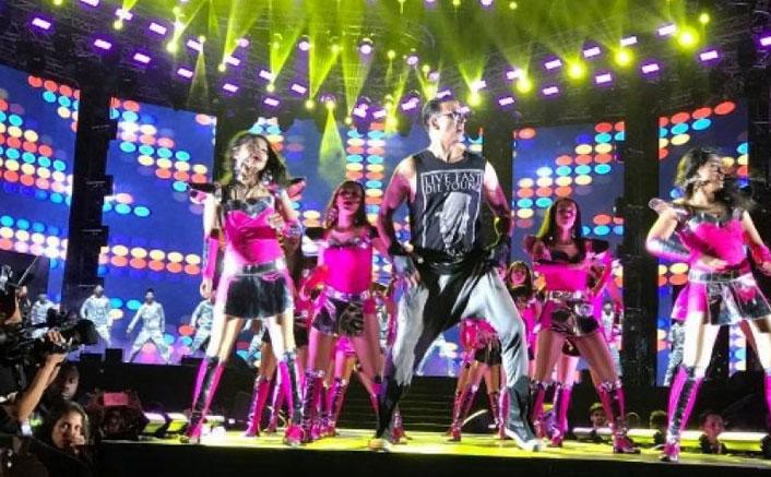 Watch: Akshay Kumar Does A Surprise Cameo Act At Salman's Da-Bang Tour In Hong Kong!