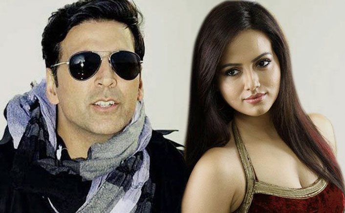 Was amazing to work with Akshay, says Sana Khaan