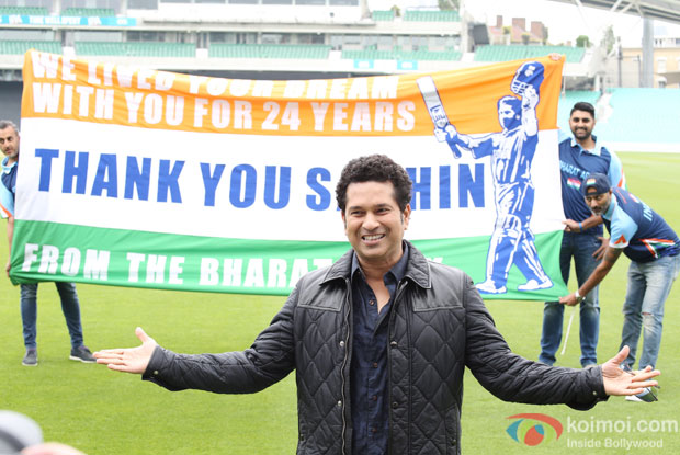 Sachin Tendulkar spends time with Bharat Army in UK!