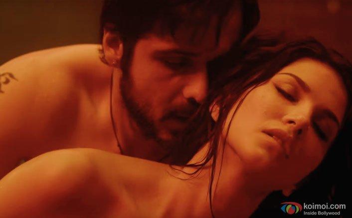Emraan Hashmi and Sunny Leone's Worth A Watch Scene