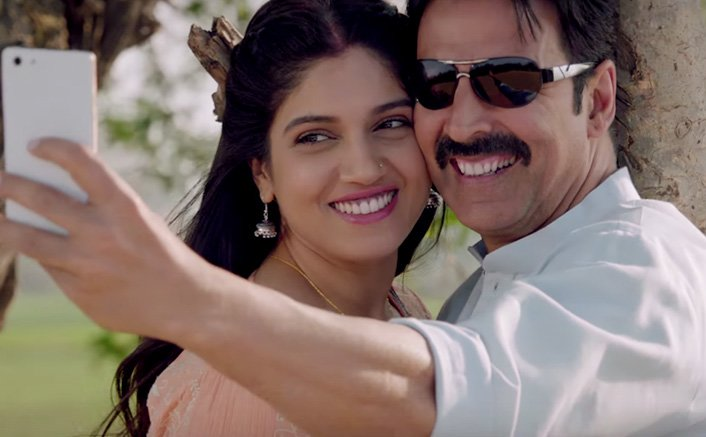 Hans Mat Pagli (Duet) Video Song | Toilet- Ek Prem Katha