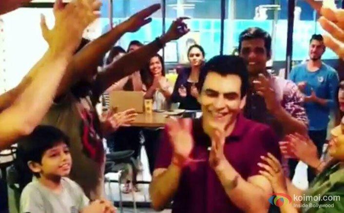 Team Tumhari Sulu Gets Emotional As Manav Kaul Wraps His Shoot